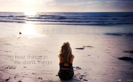 Wallpaper: «The best things in life aren't things»